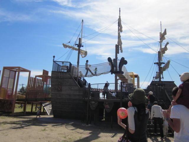 新潟市東区の「山ノ下みなとランド」と「山ノ下みなとタワー」は船が見えてすごい遊具のあるスポット