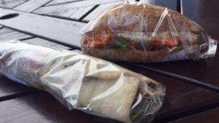 タカナベーカリーさんのおいしいサンドイッチを持って公園ランチ!