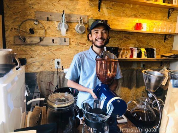 新オープン「KONA SNOW長岡東口店」のフルーツフレンチトーストと香ばしい1杯でしばしお暇。