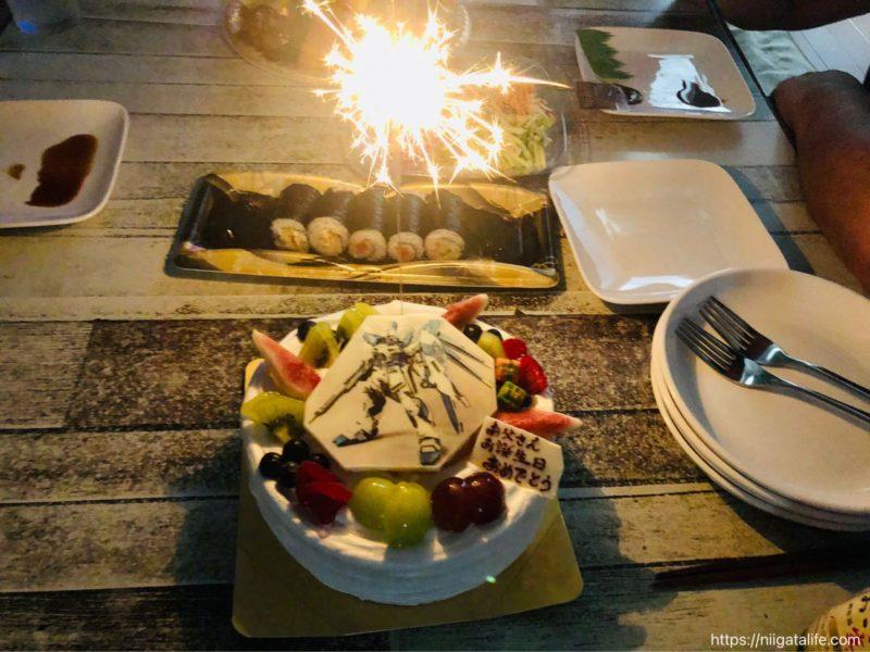 東忠カフェでガンダムケーキをオーダーしたらスゴいことになっていた!