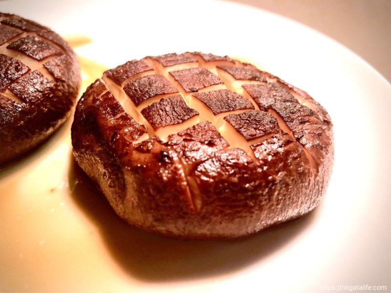南魚沼のプレミアム椎茸「天恵茹(てんけいこ)」をステーキにして食べてみた!
